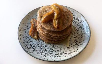 Paasmenu: vegan pannenkoeken met gekarameliseerde banaan