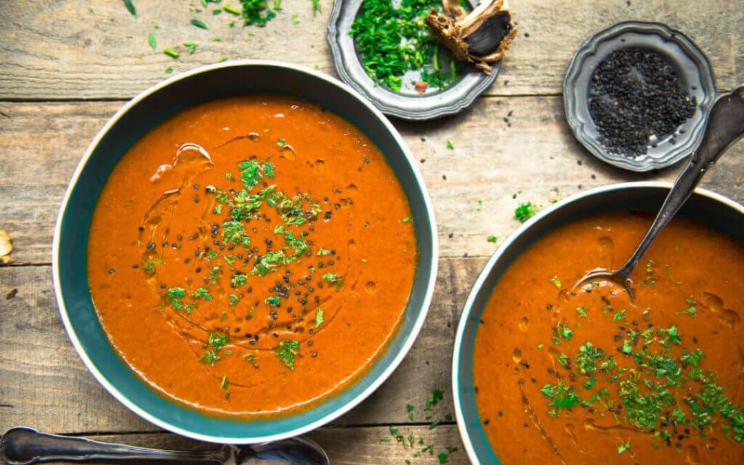 Tomatensoep met zwarte knoflook