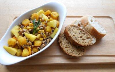 Vega vleesklassieker: bonenschotel met mango en ananas