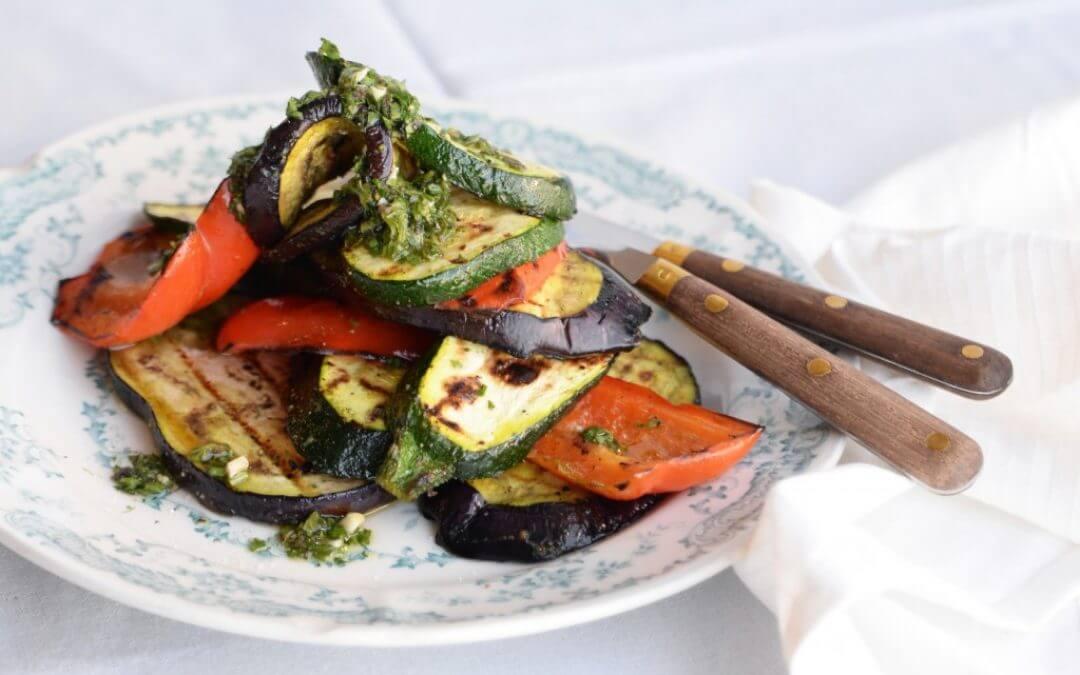 Barbecue: gegrilde groenten met Siciliaanse salmoriglio