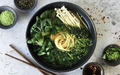 Japanse vegetarische kombu dashi ramen
